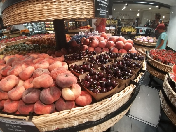 Paris - La Fayette peaches and cherries